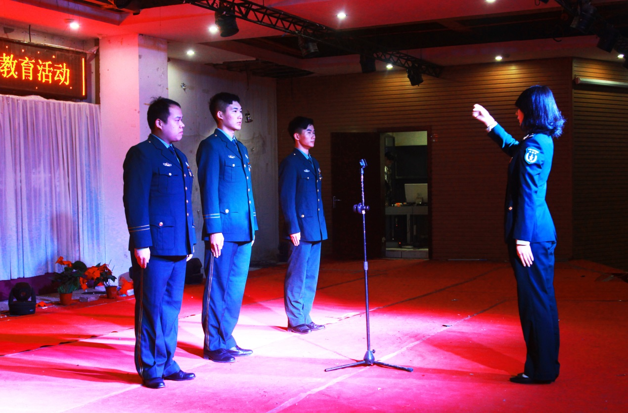 """北京经济技术职业学院 爱国主义大讲堂主题教育活动-----我是""""共和国卫士"""""""