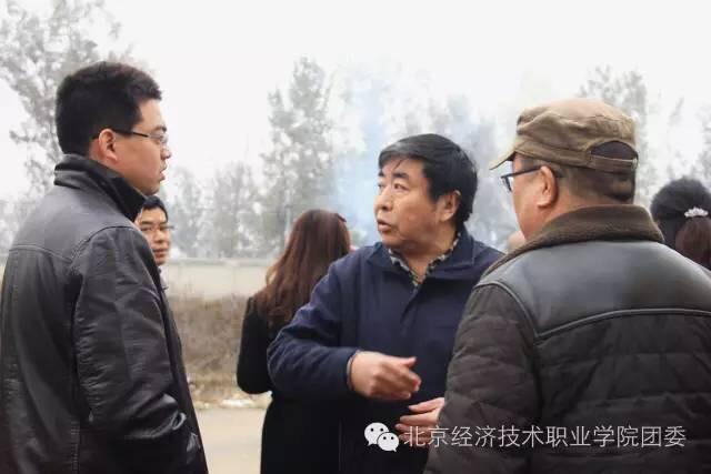 2016年北京经济技术职业学院秋冬季逃生消防演练